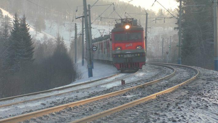 поезд электровоз